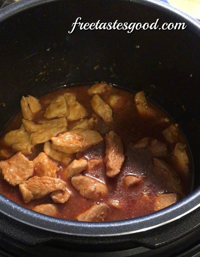 pressure-cooker-honey-sesame-chicken-simmering