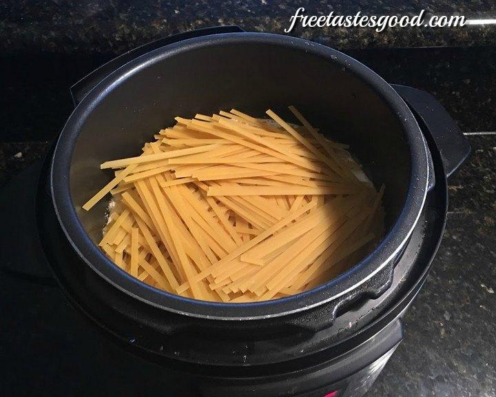 pressure-cooker-chicken-fettuccine-alfredo-pasta-pic