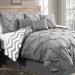 7-Piece Bedding ONLY $29.99(Reg.$250)